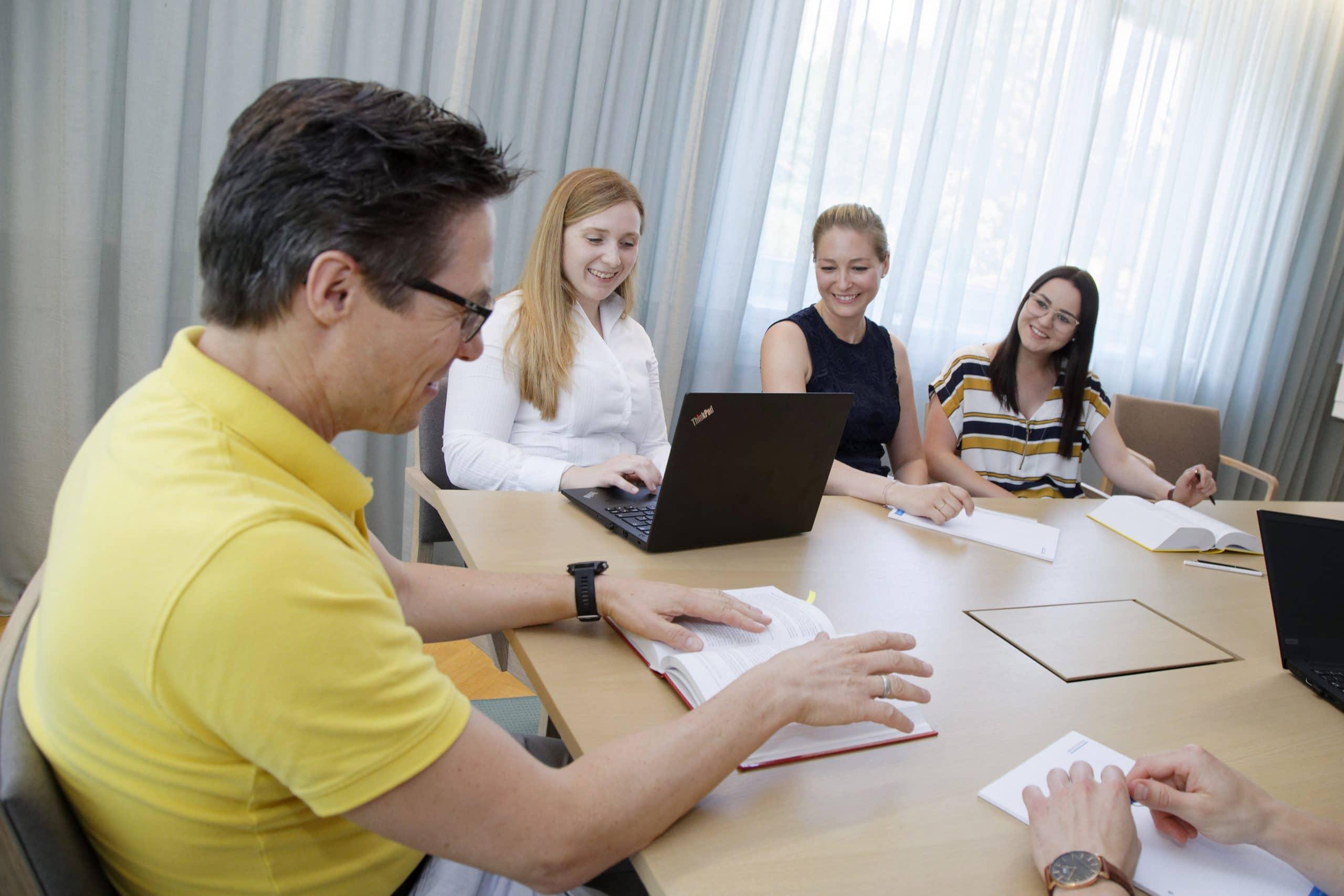 Teammeeting bei BG&P Unternehmensberatung in Graz